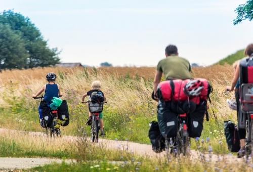 Følg N8 ruten langs østkysten af Sønderjylland. Der er også en sløjfe ind over smukke løjtland.